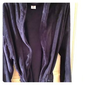 Other - Beautiful and Comfy Men's Robe